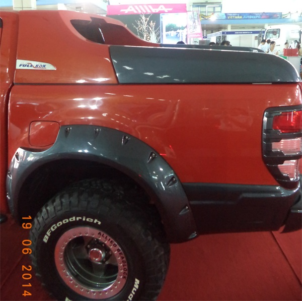 op cua lop ford ranger