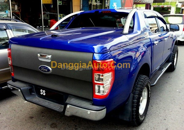 Nap-thung-thap-xe-Ford-Ranger-Carryboy-GRX-2014
